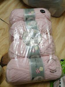 SO CRAFTY BABY YARN PINK 4 X 100g aldi chenille wool