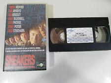 SNEAKERS THE SNOOPERS VHS TAPE TAPE ROBERT REDFORD DAN AYKROYD RIVER PHOENIX