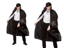 Cappe, cappotti e mantelli neri raso per carnevale e teatro