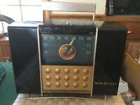 VINTAGE  RCA VACUUM TUBE RADIO 9-BX-56 AC/DC PORTABLE, CLEAN CHASSIS