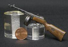 PPsH 41 subfusil SOVIETICO  ESCALA 1/10 MARCA AMMODEL RESIN MODEL KIT UNBUILT