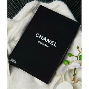 Chanel Catwalk: The Complete Collections (Hardback)coffee table book