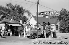 Bell Brand Gas Station, Neches, Texas - 1939 - Historic Photo Print