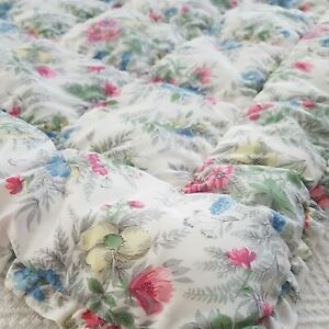 Vintage floral flower pastel eiderdown quilted bed cover spread throw