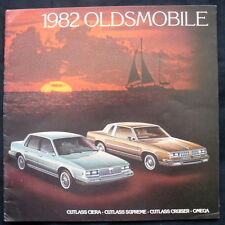OLDSMOBILE CUTLASS & OMEGA SALES BROCHURE 1982 (USA)