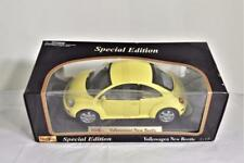 NIB Maisto Special Edition Yellow Volkswagen New Beetle 1:18 Scale Diecast Car