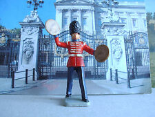 Vintage Kellogg's Guard bandsman playing symbols 1:32 painted