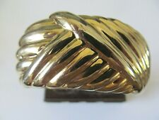 VINTAGE CHUCKY HEAVY GOLD PLATED w/POLISH LINES DESIGNS CLAMPER  BANGLE BRACELET