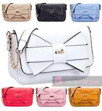 Markenlose Damentaschen aus Leder mit mittlerer Strickart