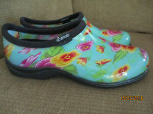 Womens Sloggers Rain Garden Shoes Green with Flowers Size 9