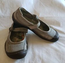 Keen Womens Size 6.5 Buckle Mary Jane Gum Shoe Flats Leather Canvas Euro 37 Clay