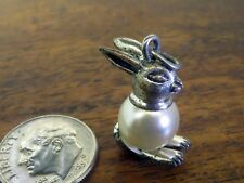 Vintage silver Beaucraft Movable Feet Easter Bunny Rabbit Pearl charm Beau