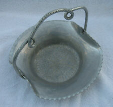 VINTAGE CROMWELL HAND WROUGHT ALUMINUM BOWL BASKET DISH SERVING TRAY WITH HANDLE