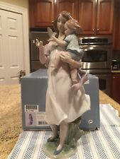 Lladro 8715 Look Mommy! in Original Box - Brand New Condition