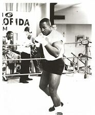 SONNY LISTON 8X10 PHOTO BOXING PICTURE IN GYM