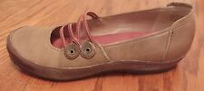 Clarks Artisan 73049 womens brown leather slip on shoes  size 9 M