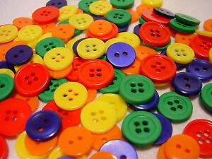 130 Knöpfe viele Farben, kunststoff ca. 1 cm