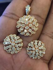 Stunning 2.51 Cts Round Brilliant Cut Diamonds Pendant Earrings Set In 14K Gold