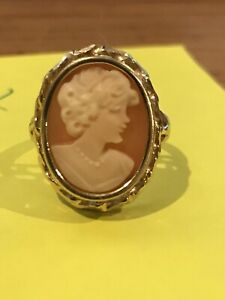 14K Gold Cameo Ladies Ring, Estate Find, Size 5 1/4, stamped 14k,  3.4 Grams