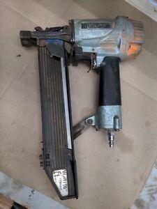 Hitachi Construction Stapler | Pneumatic | 7/16-Inch Staples