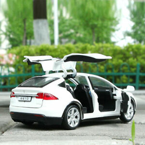 Car Toy Collection Luminous White Gift 1:32 Tesla Model X 90D SUV Diecast Model