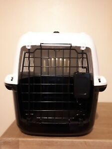 PetGear Small Pet Carrier Box Regular Plastic White/Black & Light Up Cat Toy