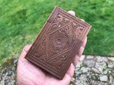 Antiguo anglo indio Mogul Tallado Sándalo Card Case. 1875.