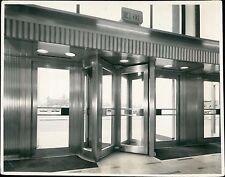 Revolving Interior doors. Unknown building. London photographers. (ZO.3)