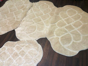 X  ROMANY GYPSY WASHABLES NON SLIP SETS OF 4 MATS/RUGS BEIGE-CREAM STUNNING MATS