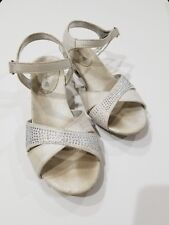 American Eagle Girls Open Toe Dress Shoes Sandals Small Heel White Size 2