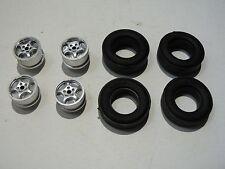 Carrera 1:24  Exclusiv   4 Felgen und 4 Reifen für 124 Fahrzeuge
