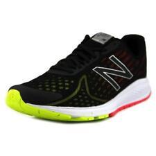Calzado de hombre New Balance de color principal negro talla 45.5