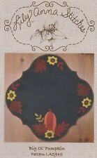 BIG 'OL PUMPKIN -  Lily Anna Stitches Wool table runner Applique Pattern