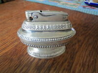 """Vintage RONSON TABLE LIGHTER Silver Plate """"QUEEN ANNE"""" Works Great!"""