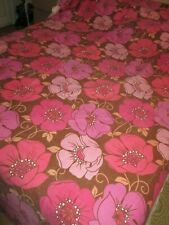 "Floral retro 60`s 70`s to the floor single bedspread cover 96"" long x 60"" wide"
