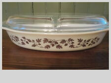 VINTAGE PYREX OVAL DIVIDED CASSEROLE CLEAR GLASS LID GOLDEN ACORN LEAF 1 1/2 QT