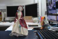 Mint Royal Doulton PAISLEY SHAWL HN1988 Girl with colorful shawl, caring Parasol