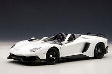 """SONDERPREIS"" 1:18 AUTOart LAMBORGHINI AVENTADOR J (BIANCO MONOCERUS/WHITE) 2012"