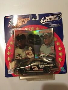 Dale Earnhardt Sr. 1:43 Scale GM Goodwrench Service Plus Car with Cards