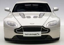 AutoArt Aston Martin V12 Vantage S 2015 (Meteorite Silver) 70251
