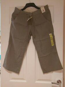 Ladies Cropped Cargo Trousers Khaki Green Size 12 Atmosphere BNWT