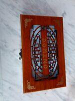 Juego de domino clasico con 28 fichas de resina y caja de madera dominó