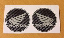 Honda Alas Pegatinas/Calcomanías efecto de fibra de carbono - 60mm de alto brillo acabado de gel de cúpula