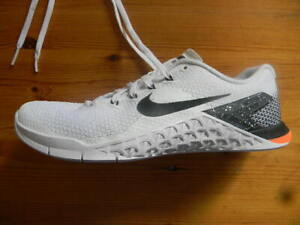 NIKE METCON 4 RUNNING SHOES LADIES SIZE US 8 NEAR NEW CONDITION