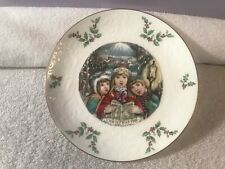 Christmas plate 1981 Royal Doulton holly berry design Ex4015