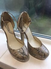 Fiore Ladies Snake Skin Buckle Shoe Size 5 Pre Owned