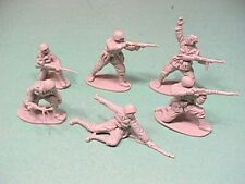 CTS Classic Toy Soldiers 1/32nd Scale World War II Italian Plastic Figures Set