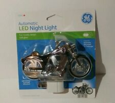 GE 10904 LED Motorcycle Night Light Light Sensing Auto On/Off Plug In Brand New