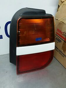 Mitsubishi Space Wagon Runner Expo Driver Right Rear Light LAMP 043-1536 R 91-97