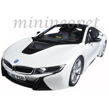 PARAGON 97083 BMW i8 1/18 DIECAST MODEL CAR CRYSTAL WHITE